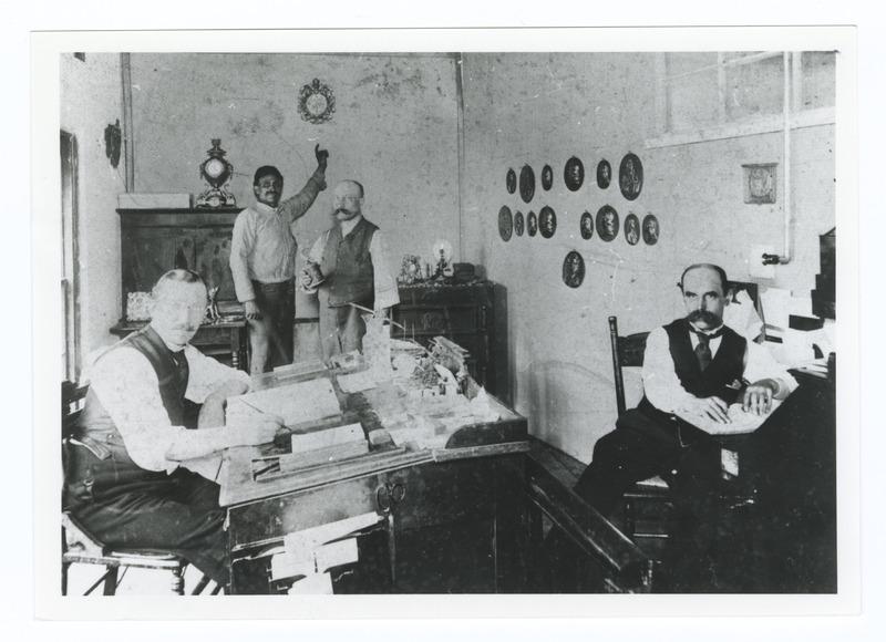 H. J. Muller's father in Manhattan art metal workshop