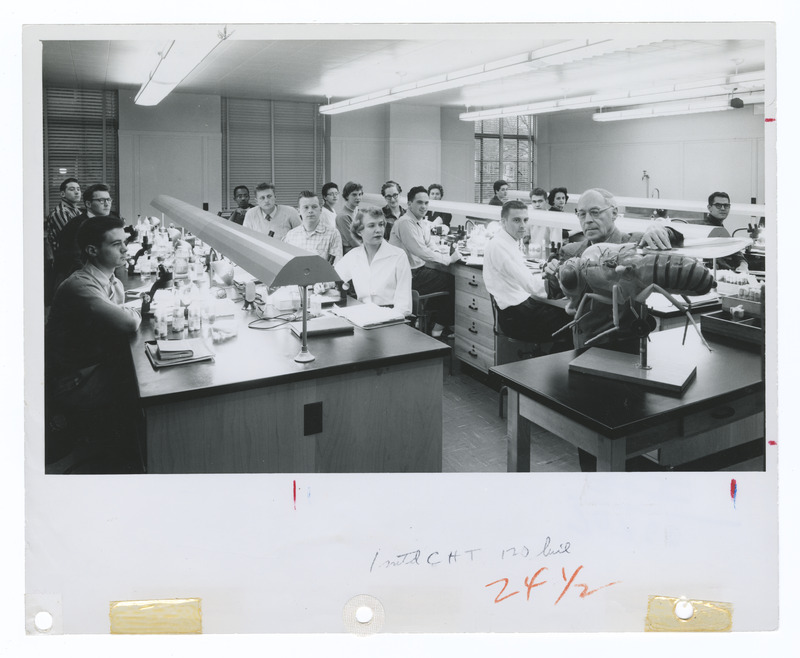 Herman J. Muller teaching the Drosophila laboratory class in Jordan Hall at Indiana University, Bloomington